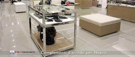 tavoli per negozi complementi arredo per negozi effe arredamenti