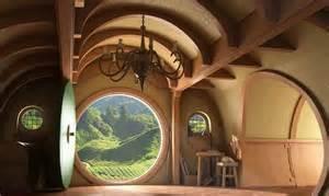 hobbit home interior hobbit h 225 zak hobbitfalv 225 n 246 kofalu a mes 233 kből