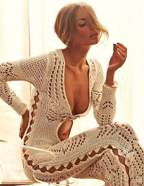 sexy 70s style how to channel 70 s fashion at the beach glam radar