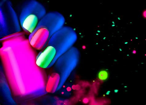 glow in the paint explained glow in the nails salon gold