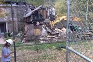 Trace Image Online trace adkins shares picture of fire ravaged house coming down