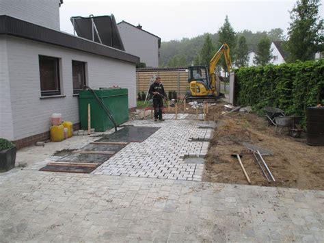 tuinhuis plaatsen op beton plaatsen tuinhuizen en carports tuinwerken