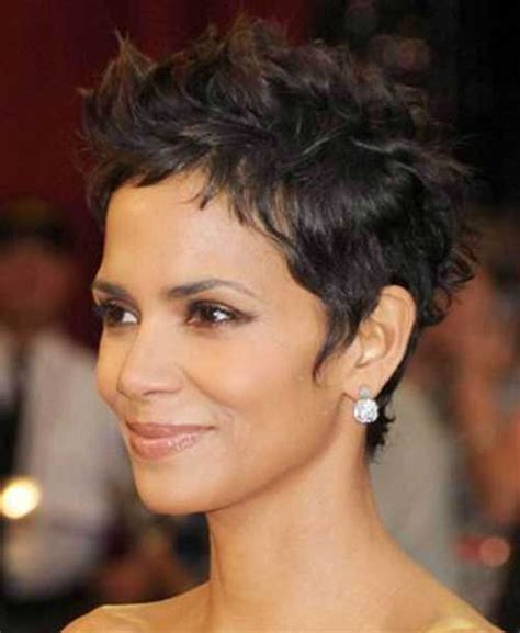 Halle Berry Short Pixie Haircut For Women Over S Halle Berry Short Pixie Hair Style