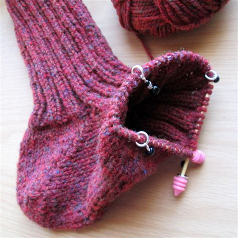 knitting socks on circular needles the mildly mixed up musings of a crochet fanatic