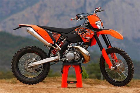 Kawasaki Ktm 200 Kawasaki Kdx 200 Vs Ktm 200 E Xc Only Trail Bikes