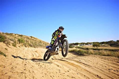 Motorrad Videos Sardinien by Kiara Fontanesi Motocross Sardinien Motorrad Fotos