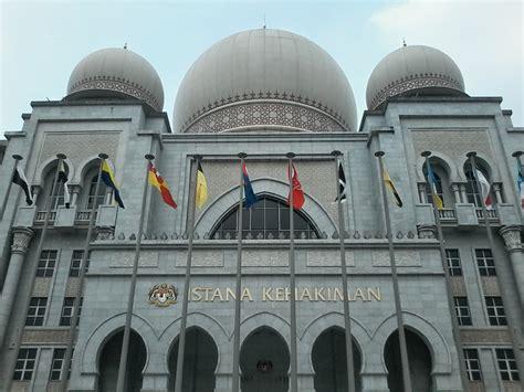 Mahkamah Syariah Pengadilan Agama negara ini telah lama berada di dalam keadaan aman damai kerana semua pihak sebelum ini berusaha