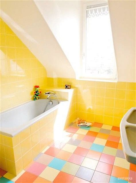 bright yellow bathroom 17 best ideas about yellow bathrooms on pinterest yellow