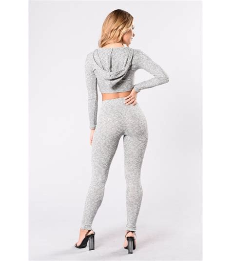 grey patterned leggings outfit what should you wear with grey leggings quora