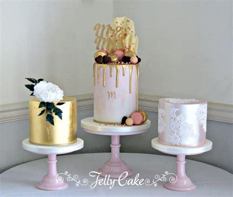 wedding cake table 2 wedding cakes jellycake