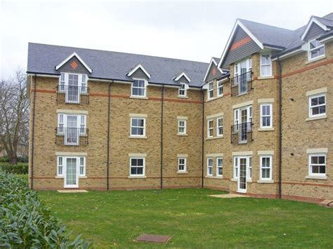 2 bedroom house to rent in epsom 2 bedroom apartment to rent in storer house livingstone