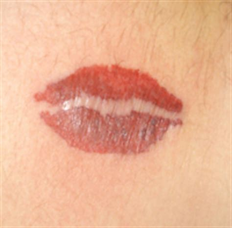 lips tattoo on hip arteformz color tattoo gallery