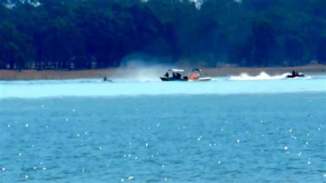 boat basin fire jet ski putting out boat fire at waranga basin youtube