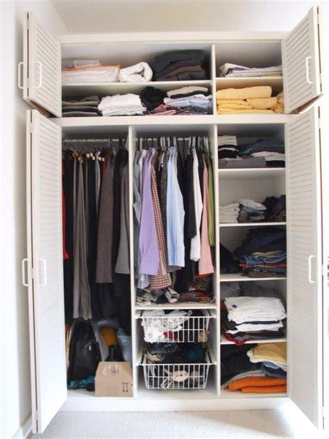 kleiderschrank verkaufen gut erhaltener weisser kleiderschrank zu verkaufen 854579