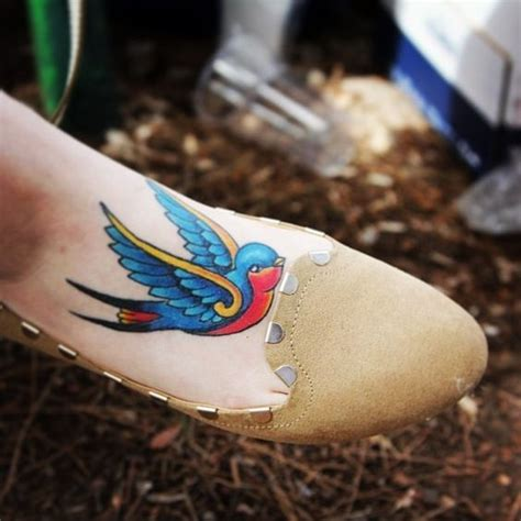 traditional swallow tattoo best 20 traditional ideas on
