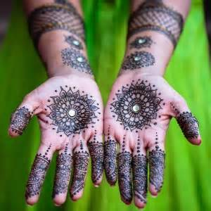 hire henna tattoos by nehal patel arts amp crafts party in
