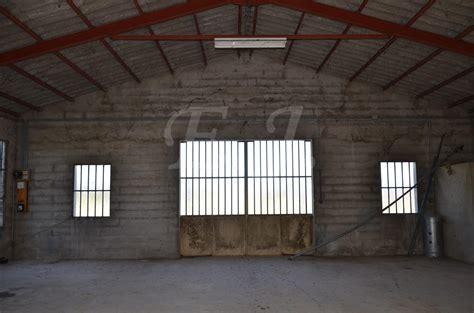maison hangar ventes maison t4 f4 robion jardin clos avec vue sur le