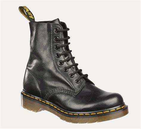 dr doc martens womens 1460 pascal buttero boots 7 seasonal