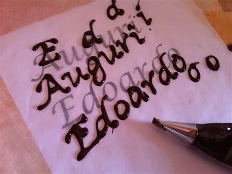 lettere di cioccolato come realizzare scritte di cioccolato perfette