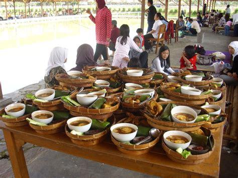 Harga Ayam Bakar Purbasari Gempol 6 tempat makan enak dengan pemandangan cantik di ciwidey