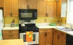 Oak Cabinets With Black Hardware Oak Cabinets Family Style Living