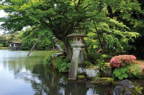 ishikawa travel kenrokuen garden wow  japan