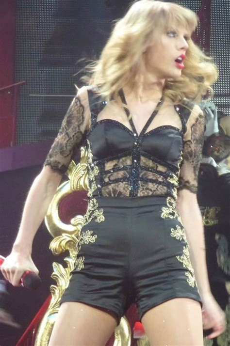 taylor swift sexiest outfit top ten taylor swift will alan writing