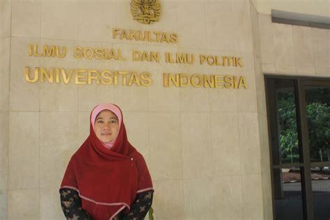 Ah Jilbab Serut Jokowi muslimah muda ini peroleh gelar profesor dari ui