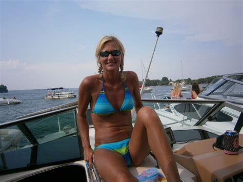 hull truth boating post the best picture of your lady on your boat page 518