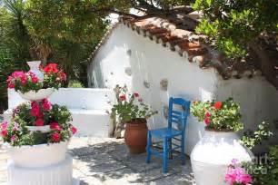 Gardens Small Backyards Greek Garden On Pinterest Mediterranean Garden Athens
