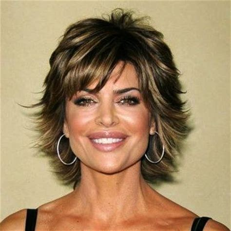 does lisa rinna have thick hair 20 short haircuts for women over 50 something new
