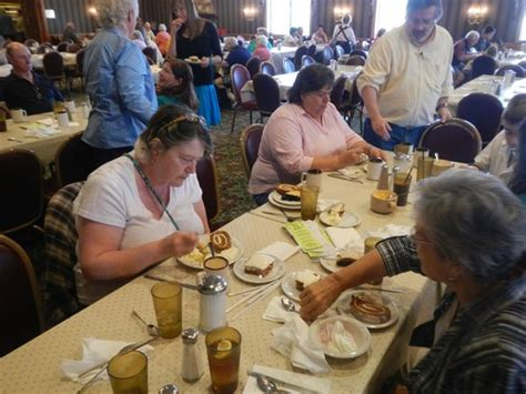 Huge Place Large Selection Reviews Photos Shady Shady Maple Buffet Prices