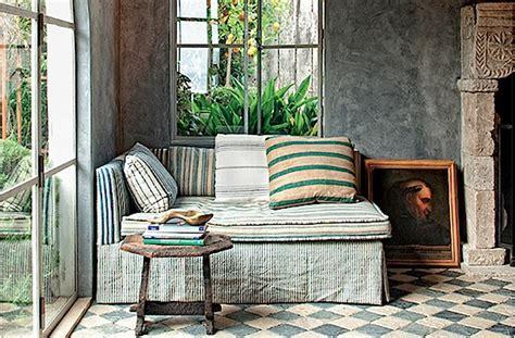 desain interior rumah huni dengan detail klasik eropa desain interior indonesia