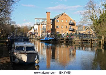 thames lock river wey new apartments at thames lock river wey navigation canal