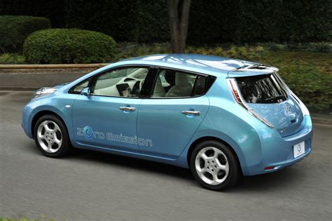 nissan leaf nissan leaf ev pricing released 32 780 before federal
