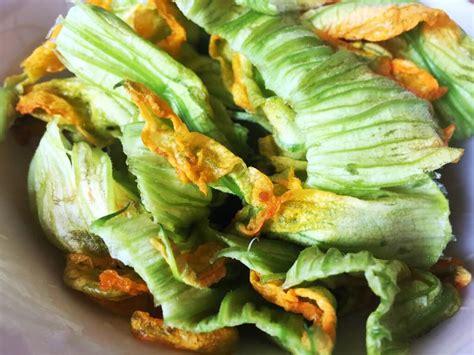 pasta e fiori di zucca farfalle ai fiori di zucca ricettadoc it