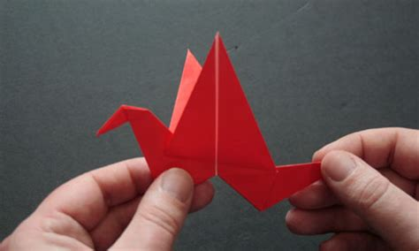 How To Make A Paper Swan That Flaps Its Wings - origami flapping bird 2016