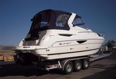 larson boats cruisers 2017 new larson cabrio 315 mid cabincabrio 315 mid cabin