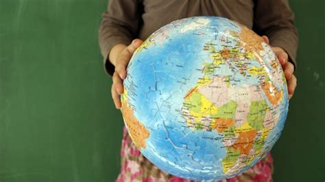 How To Make A Paper Globe - get crafty make a paper mache world globe and