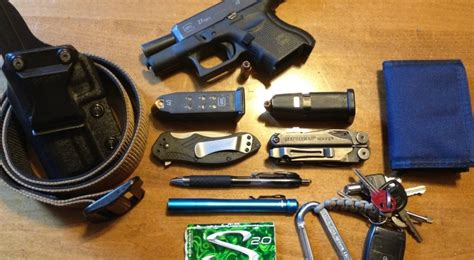 every day carry gear ultimate edc guide for preppers every day carry gear
