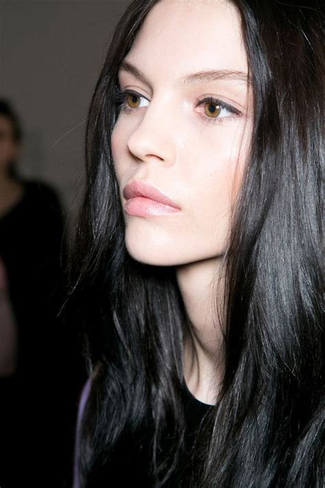 best hairstyle for pale oblong face with hazel eyes best 25 black hair ideas on pinterest short black hair