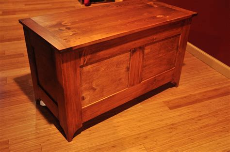 yankee woodworking pine blanket chest a la norm abram by steve erwin