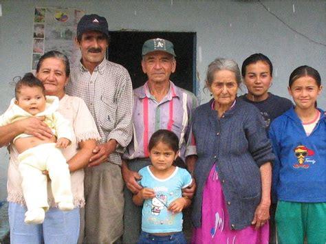 for family community aid la lucia coop concordia colombia shade