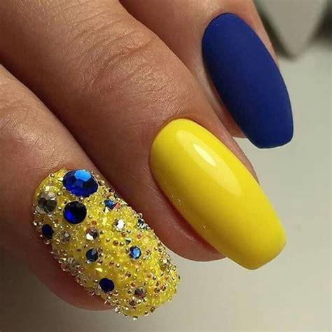 imagenes de uñas acrilicas amarillas las 25 mejores ideas sobre u 241 as amarillas en pinterest