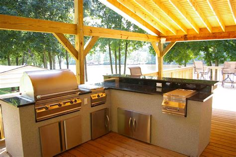Covered Outdoor Kitchen Designs With David Berryhill S New Custom Outdoor Kitchens Chicagoans May Never Cook Indoors Again