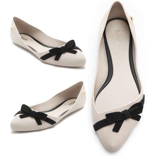 Flat Shoes Pita Black trend alerts sepatu beraksen pita ninneta