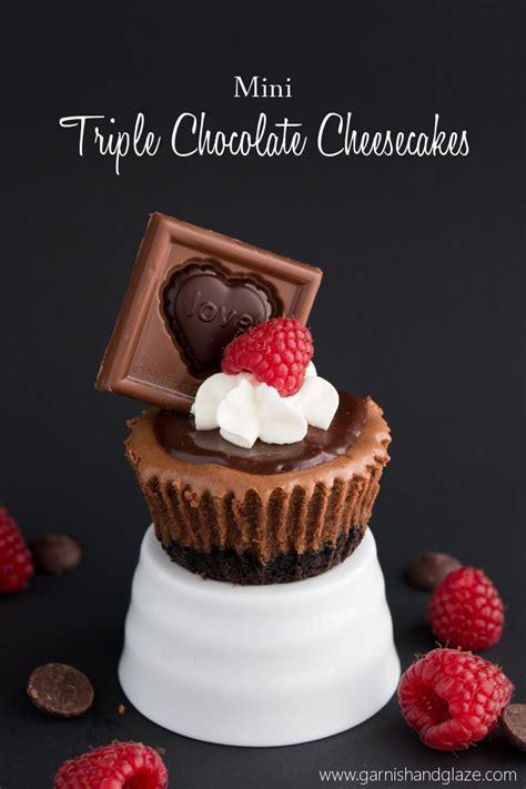 Chocaholic Mini Oreo mini chocolate cheesecake with oreo crust