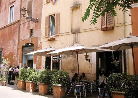 rosse roma chiude ombre rosse a trastevere