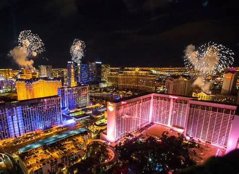 new year mountain las vegas 2015 count to 2016 from the world s tallest observation