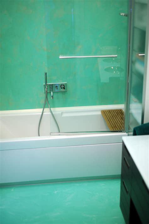 bagno verde acqua bagno resina verde acqua spatolato verticale